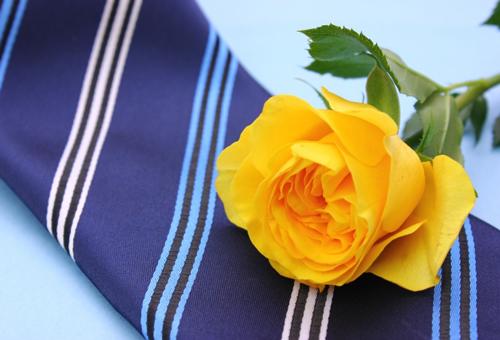黄色いバラは父の日のフラワーギフト