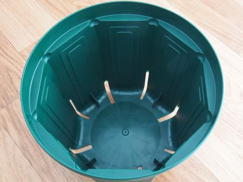 スリット鉢内側